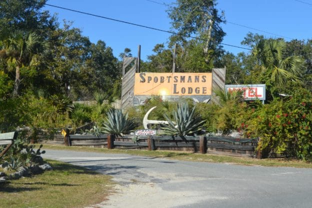 Sportsman's Lodge