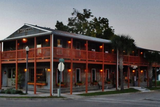 Apalachicola Riverwood Suites